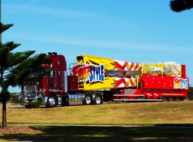 Lakes Entrance Carnival setup